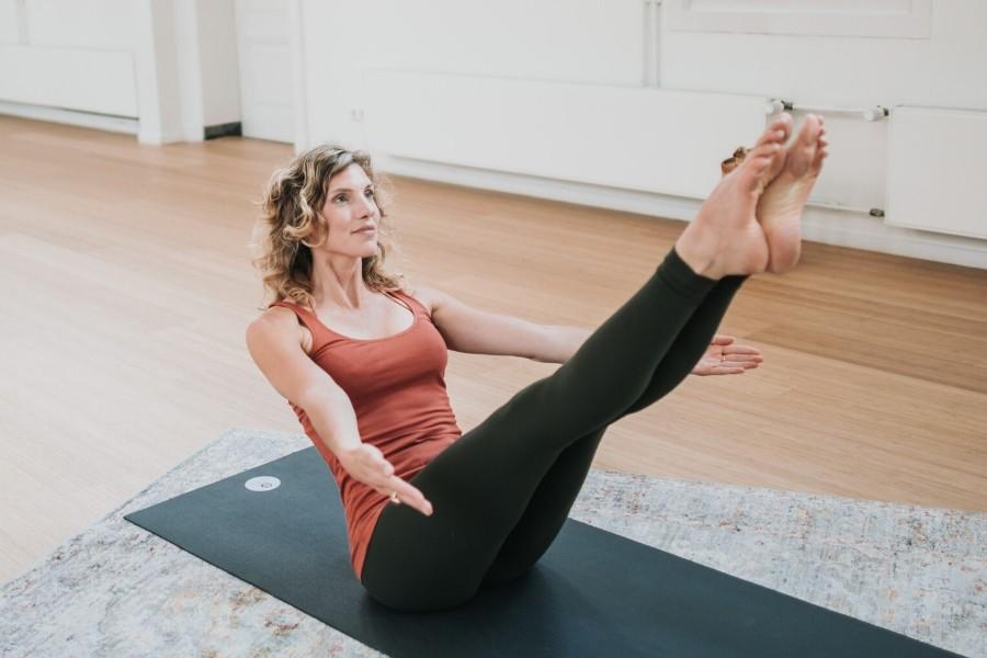Yogastudie-advanced-studies-yoga-alliance