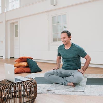 online basistraining yoga johan noorloos